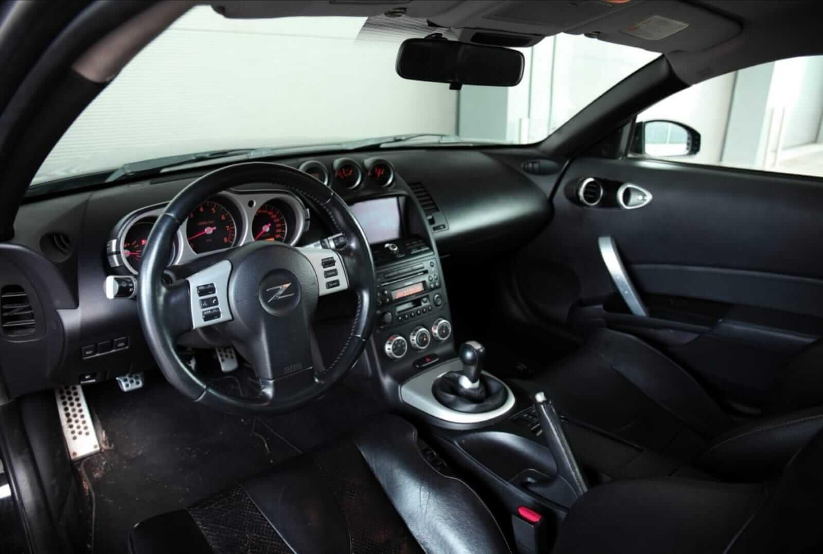 Nissan 350Z HR Track Edition 2008 interior – by Next Level Automotive – Go to nextlevelautomotive.eu