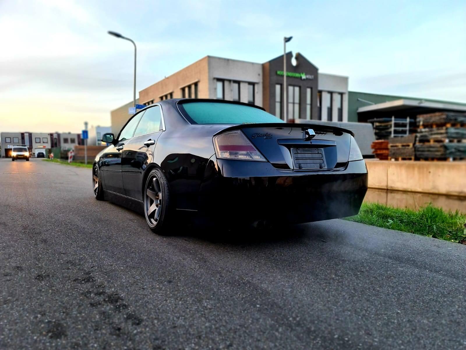 Nissan-Gloria-Y34-Ultima-2
