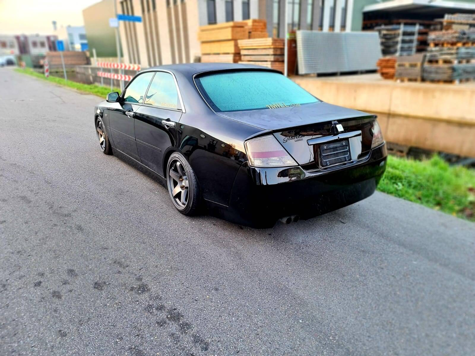 Nissan-Gloria-Y34-Ultima-6