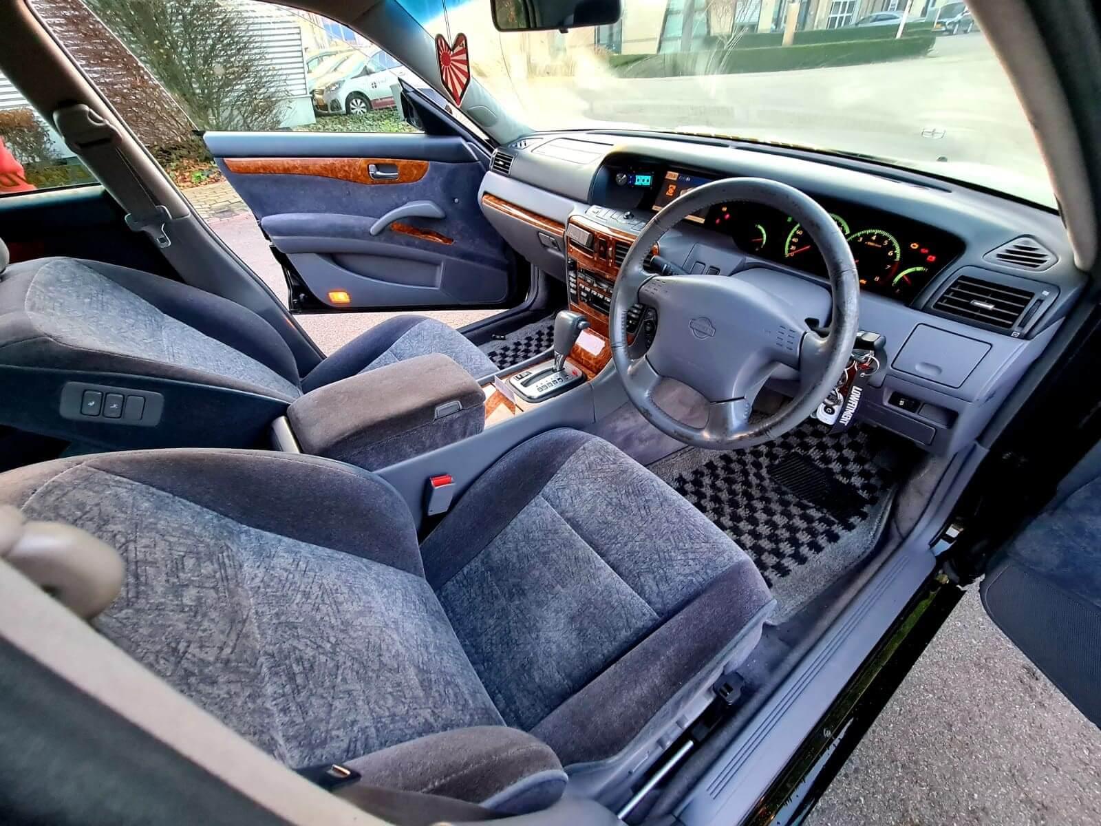 Nissan-Gloria-Y34-Ultima-7