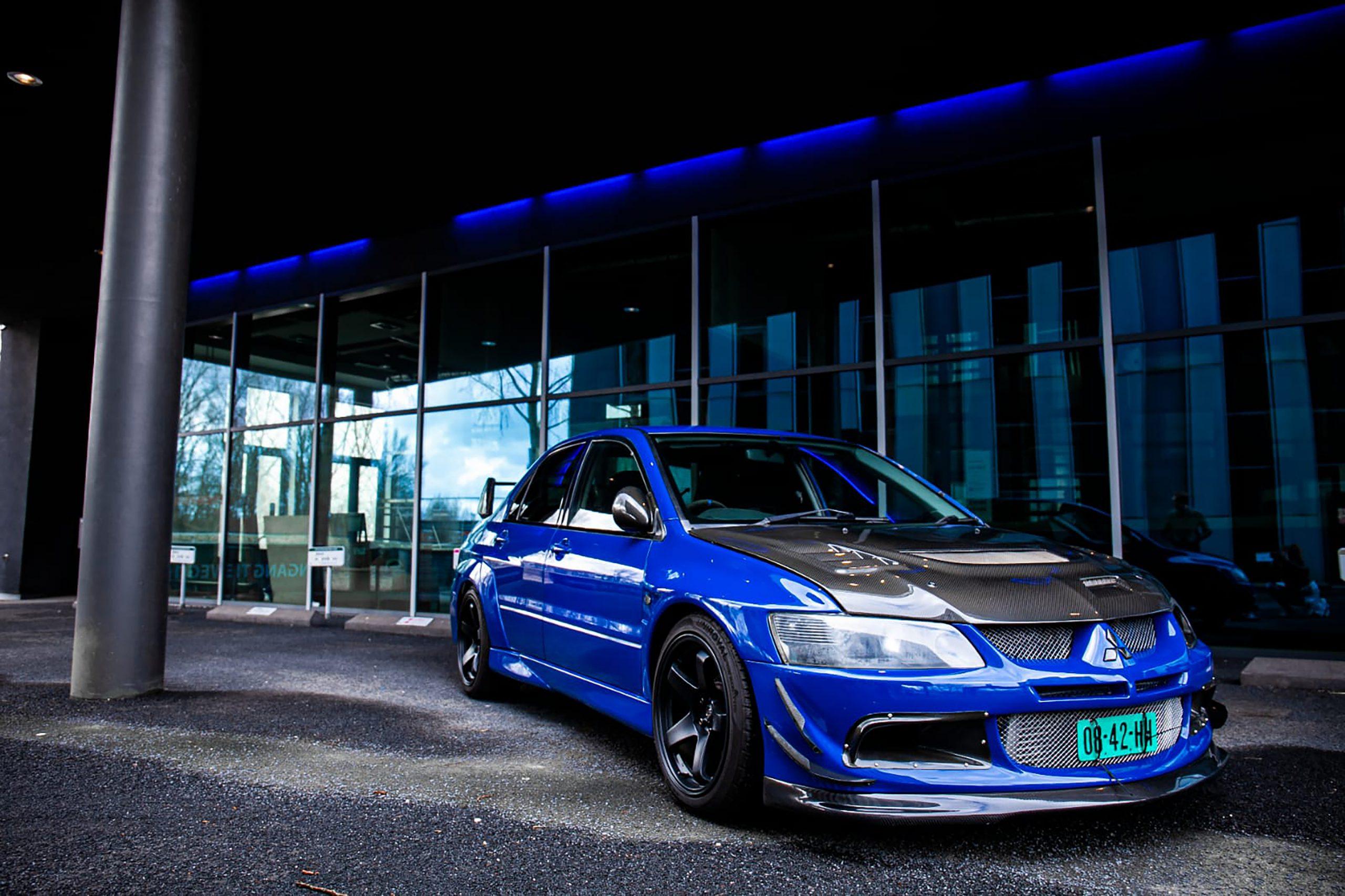 Mitsubishi-lancer-evo-8-front-right03